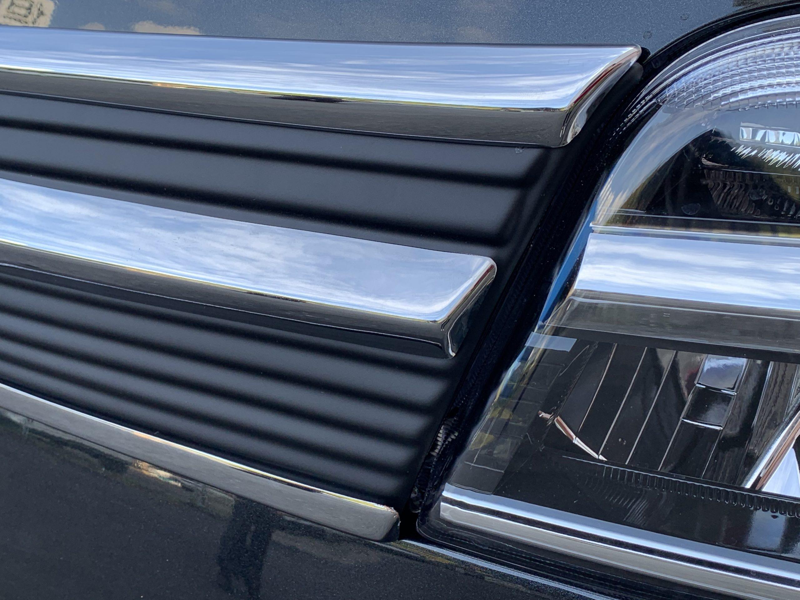 300系 フロントグリル マットブラック